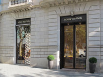 Louis Vuitton-Luxusladen in Barcelona Stockbilder