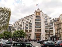 Louis Vuitton modehus, Paris, Frankrike Royaltyfri Bild