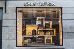 Louis Vuitton robi zakupy w Bruksela, Belgia Obraz Royalty Free