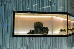 Louis Vuitton shoppar på Siam Paragon, Bangkok, Thailand, Maj 9, 20 fotografering för bildbyråer