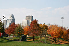 Louisville Kentucky in de herfst stock foto