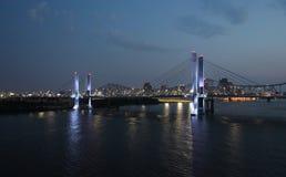 Louisville, Kentucky nachts lizenzfreies stockfoto