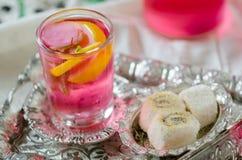 Loukoum e sorvete tradicional turco de ramadan do otomano fotos de stock royalty free