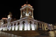 Loulé miejscowego i jedzenia rynek przy nocą zdjęcie royalty free