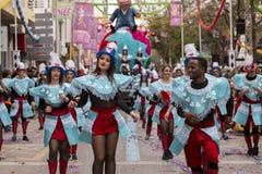 LOULE, ПОРТУГАЛИЯ - ФЕВРАЛЬ 2017: Красочный парад масленицы (Carnaval) Стоковые Изображения RF
