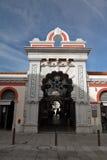 Loule, Portogallo - 7 dicembre 2016: entrata del mercato locale dell'alimento Fotografia Stock