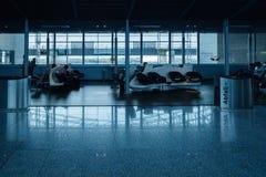 Loung d'aéroport dans le ton bleu Photos stock