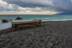Lounger på stranden Royaltyfri Bild