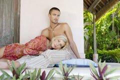 lounging 1个巴厘岛的庭院 免版税库存图片