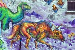 Loup et chameau d'art de rue Image libre de droits