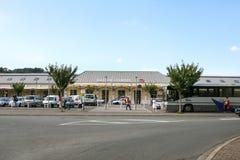 LOURDES, FRANCE - 22 AOÛT 2006 : Entrée de station de train de Lourdes en été Photographie stock