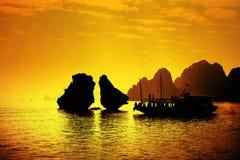 Louro de Halong em Vietnam Fotos de Stock Royalty Free
