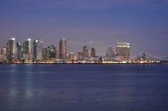 Louro e skyline Imagens de Stock