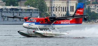 Loutre de jumeau du Canada DHC-6-300 de Havilland de lignes aériennes de l'oiseau marin de TC-SBO Photographie stock libre de droits