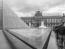 Louvre fotografering för bildbyråer