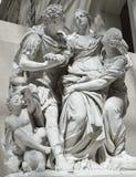 Louvre de la estatua, París Imagenes de archivo