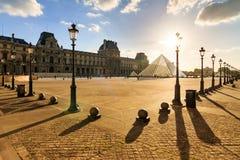 Louvre do por do sol da sombra Fotografia de Stock