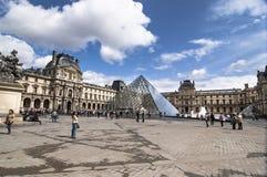 Louvre i Paris Arkivbild