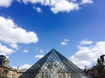 Louvre i sommarvärmen Royaltyfri Foto