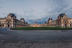 Louvre-Museums-Panoramablick Lizenzfreies Stockfoto