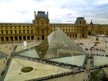 Louvre Muzealny Szklany ostrosłup Zdjęcie Stock