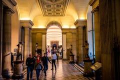 Louvre muzeum wnętrze obrazy stock
