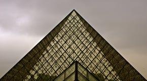 Louvre ostrosłup szkło Fotografia Stock