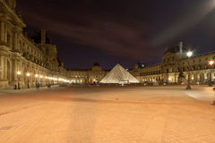 Louvre pałac Francja, (nocą) Zdjęcie Royalty Free