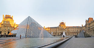 Louvre, Paris Images stock