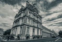 Louvre Paris de route Photographie stock libre de droits
