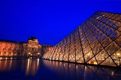 Louvre Pyramid dusk Royalty Free Stock Photos