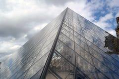 Louvre-Pyramide stockfotografie