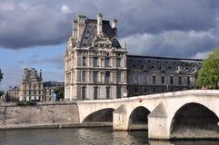 Louvre w Paryż zdjęcie royalty free