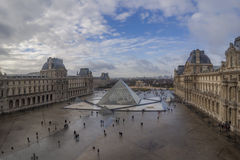 Louvremuseet, Paris, Frankrike arkivbilder