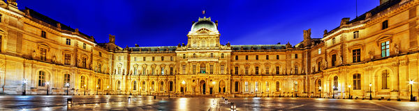 Louvremuseum royaltyfri fotografi