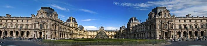 Louvremuseum Paris Arkivfoto