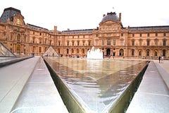 Louvremuseum Paris Frankrike Arkivbilder