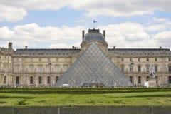 Louvrepiramide Parijs, Frankrijk royalty-vrije stock afbeelding