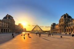 Louvresolnedgångskuggor Royaltyfri Fotografi