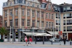 LOVAINA, BÉLGICA - 4 DE SEPTIEMBRE DE 2014: Los edificios históricos viejos en el ` s del mártir ajustan Martelarenplein cerca de Fotos de archivo libres de regalías
