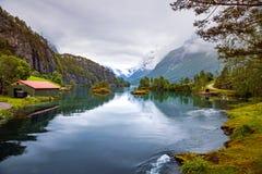 Lovatnet härlig natur Norge för sjö arkivfoton