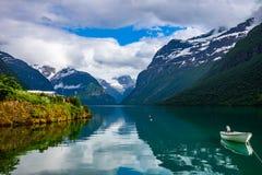 Lovatnet See schöne Natur Norwegen stockbilder