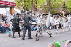 LoveBomb Aller-vont fanfare du ` s de Portland Orégon photographie stock