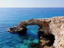Lovebridge in Agia Napa, Cyprus wordt gevestigd dat Royalty-vrije Stock Fotografie