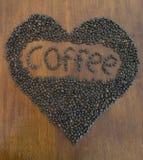 Loveheart de grains de café Photos libres de droits