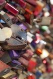 Lovelocks на мосте в Кёльне, Германии Стоковые Фотографии RF