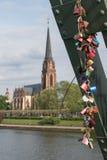 Lovelocks на мосте Eiserner Steg в Франкфурте, Германии Стоковые Фотографии RF