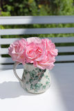 Lovely pink roses in the vase Royalty Free Stock Images