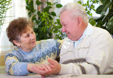Lovely senior couple at home Royalty Free Stock Photos