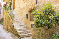Lovely tuscan street in Pienza Stock Photography